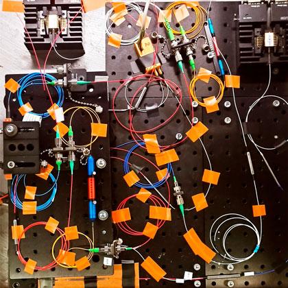 Experimental setup of the dendritic components of ADOPD/ Experimenteller Aufbau der dendritischen Komponenten von ADOPD